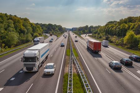 infraestructura: A12 tráfico de la autopista, visto desde arriba