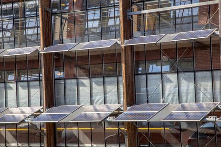 Creative-Erneuerbare-Energien-Architektur Standard-Bild - 27720219