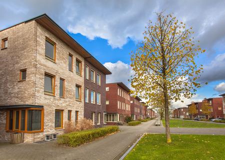Grote Modern Middle Class Rijtjeshuizen in een ruime Suburban omgeving