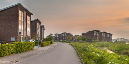 Grote Modern Middle Class voorsteden Huizen in Europa