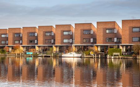 leeuwarden: Modern water front houses in Leeuwarden Zuiderburen, the Netherlands