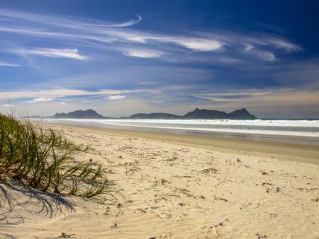 Afgelegen Leeg Strand in Northland, Nieuw-Zeeland Stockfoto