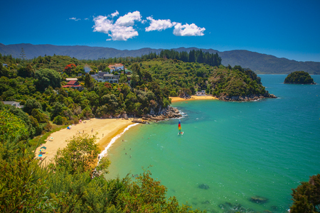 Aerial view of a Beautiful Bay with Sandy Beach near Nelson, New Zealand 免版税图像