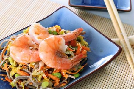 asian shrimp salad with soba noodles