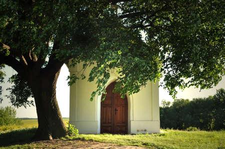 ramantic: Chapel under the linden tree