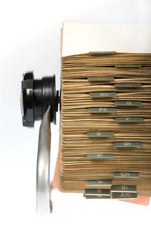 Close-up der Jahrgang Rotary Karte Datei Inhaber auf wei�em Hintergrund