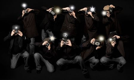 Retro estilo paparazzi fotógrafos de prensa con cámaras de época