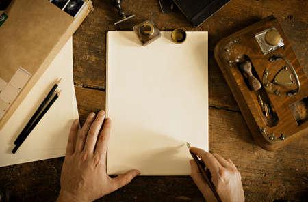testament schreiben: Jahrgang Brief und Kommunikationskonzept. Lizenzfreie Bilder