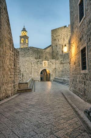 夜の旧市街、南ダルマチア ドゥブロヴニク