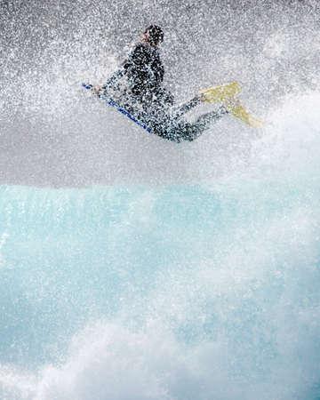 granola: Bodyboard surf. Grandes olas y gotas de agua