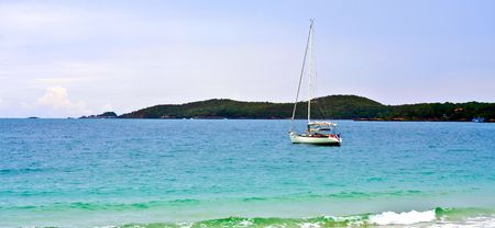 koh samet: Sea, boat and coast : Picture taken from Koh Samed, Thailand