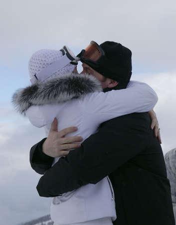 ski slopes: Sposi scambio primo bacio sulle piste da sci