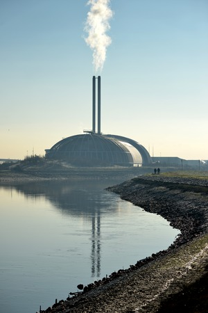 incinerator: Incinerator in Newhaven, UK, providing power generation