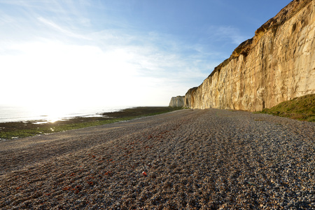 sussex: Dirty chalk cliffs of the Sussex coast Stock Photo
