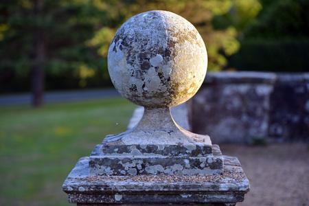 Round ornement de mur de pierre dans une maison de campagne Banque d'images - 82727218