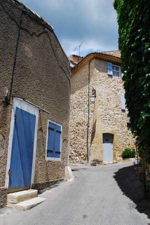 lourmarin: Typical stone house, Lourmarin village, Vaucluse, Provence, France  Stock Photo