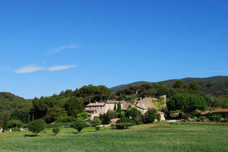 lourmarin: Typical stone houses in Lourmarin village, Vaucluse department, Provence, France