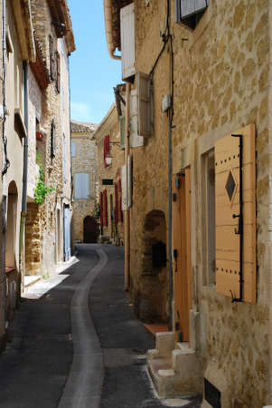 lourmarin: Small alley and stone houses, Lourmarin village, Vaucluse, Provence, France  Stock Photo