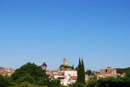 lourmarin: Ancient village of Lourmarin, Vaucluse department, Provence, France