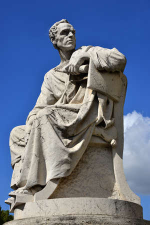 orator: Marble Statue of an roman orator with blue sky