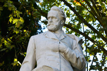Statue of Victor Hugo in Villa Borghese in Rome 新聞圖片