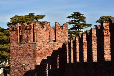 embrasure: Medieval Scaliger Bridge in Verona with its characteristic Ghibelline battlements