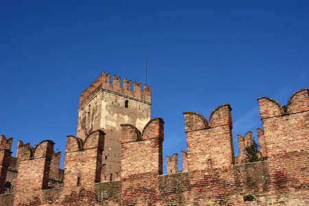 parapet wall: Castelvecchio (Old Castle) keep with characteristic ghibelline battlements, one of the most famous landmark in Verona