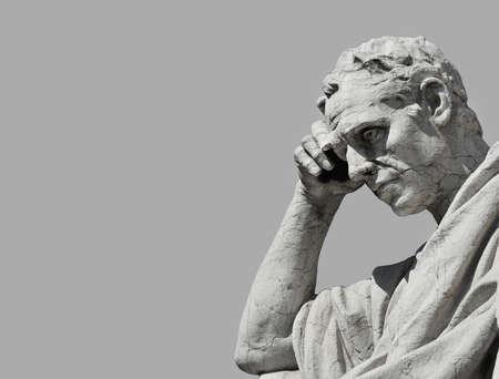Julian la statue d'avocat en train de penser, du vieux palais de la justice à Rome (noir et blanc avec copie) Banque d'images