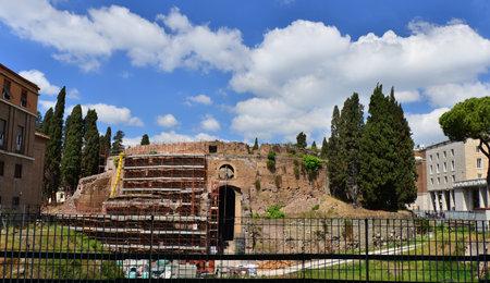 Rome, Italie, 24 avril 2017: Ancien Mausolée d'Auguste à Rome en restauration