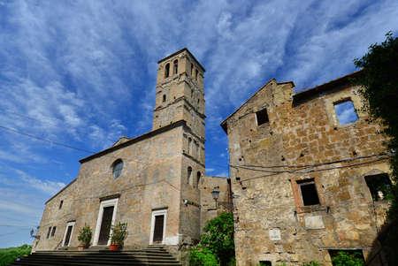 Église médiévale de San Giuliano au centre de l'ancienne ruine de Faleria, une petite ville près de Rome