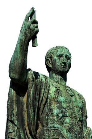 César Auguste Nerva Empereur de la statue de bronze de la Rome antique dans le Forum Impérial (isolé sur fond blanc)