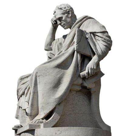 Julian le juriste en train de penser à la statue, devant l'ancien palais de la justice à Rome (isolé sur fond blanc)
