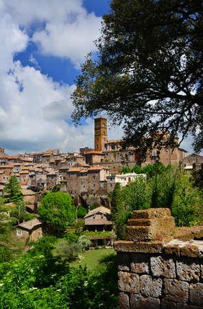 Vue de l'ancienne cité médiévale de Sutri, près de Rome Banque d'images - 81977227