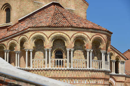 Romanesque colonnade of San Donato Church apse in the Island of Murano near Venice Banque d'images