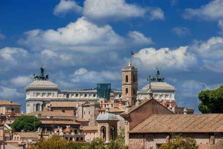 Skyline Capitoline Hill avec des nuages ??dans le centre historique de Rome