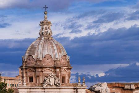 Saints Luca et Martina belle coupole baroque à Rome, construite au 17ème siècle (avec espace copie) Banque d'images
