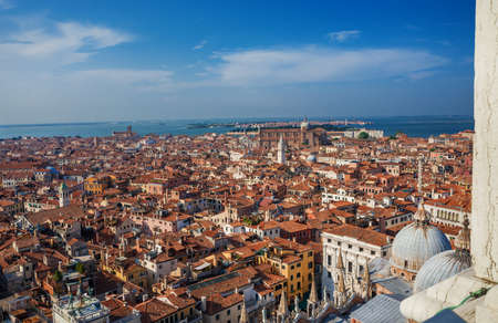Panoramic view of Venice historic center and Northen Lagoon islands from Saint Mark Bell Tower Banque d'images