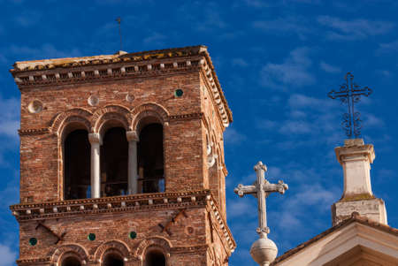 Three crosses on St. Bartholomew on the Island ancient medieval church in the historic center of Rome Banque d'images
