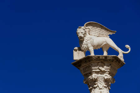 Lion of Saint Mark, symbol of the old Venice Republic. Monument erected in 1473 in Vicenza central square (with copy space) 版權商用圖片
