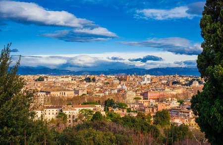 View of Rome historic center ancient skyline from Janiculum Hill 版權商用圖片