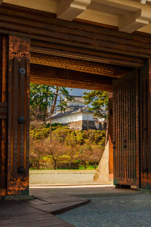 Visiting the Odawara Castle Park in Kanto Region. The main tower seen from an old gate 新聞圖片