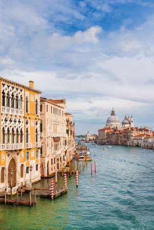 View of Salute Basilica baroque dome and Gran Canal from Accademia Bridge in Venice 新聞圖片