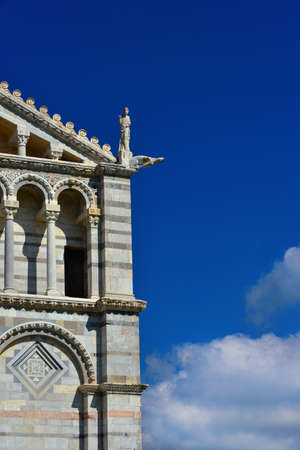 Pisa Cathedral romanesque facade detail, completed in the 12th century (with copy space) Archivio Fotografico