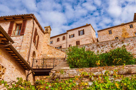 Spello historic center charming medieval buildings, a little town in Umbria countryside Foto de archivo