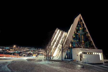illuminated tromso church in a frigid Norwegian night 版權商用圖片