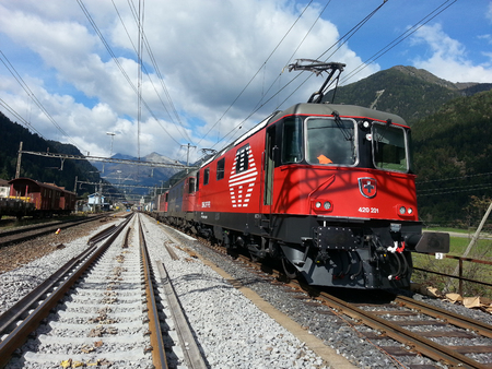 Revised locomotive in test run travels in Switzerland 新聞圖片