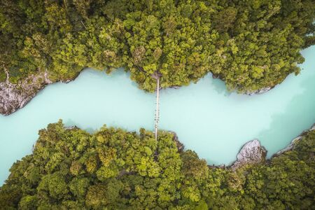 blue river seen from the drone in New Zeland 版權商用圖片