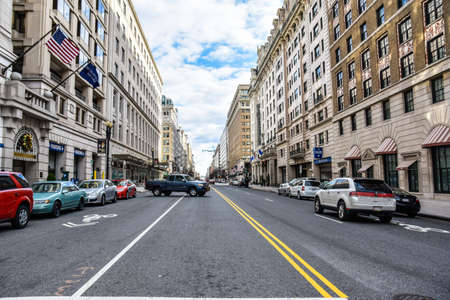 Washington DC, Stati Uniti d'America. vista stradale e la vita della città, vicino a Washington Capitol, Washington Monument e Holocaust Memorial Museum. Editoriali