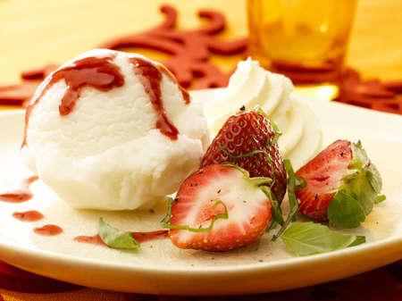 frehe strawberry and ice cream