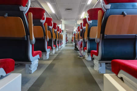 Empty train seats. No people inside the train wagon. Banque d'images